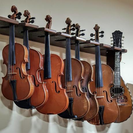 Putokaz: Umetnička radionica graditelja violina