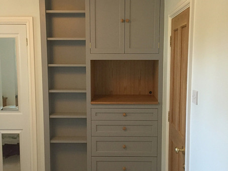 Contemporary grey alcove unit, with oak drawers