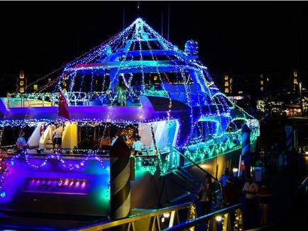 ONE15 Christmas Boat Light Parade
