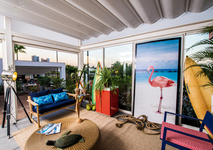 Surf Lounge