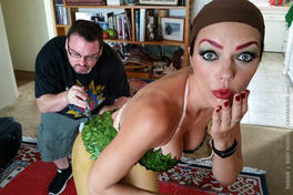 Painting Adrianne Curry as Poison Ivy