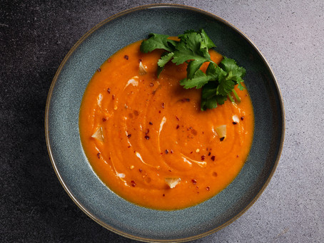 Ultimate roast tomato and garlic soup