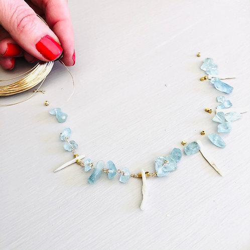 Aquamarine gem chain choker with Stick Pearl accents