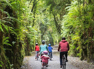 WaterfordGreenway_Family_1156x765[1].jpg