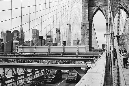 bridge-3188599_1920.jpg