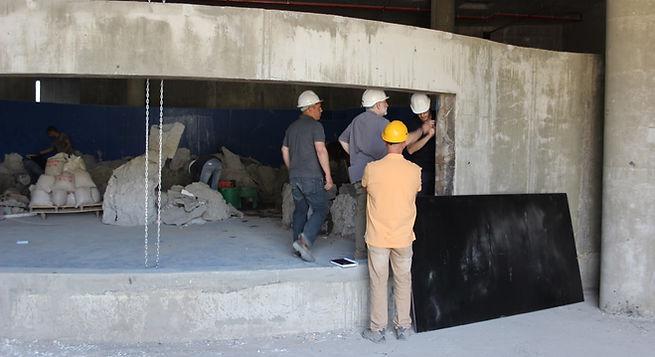 שלבי בנייה ראשוניים של האקווריום