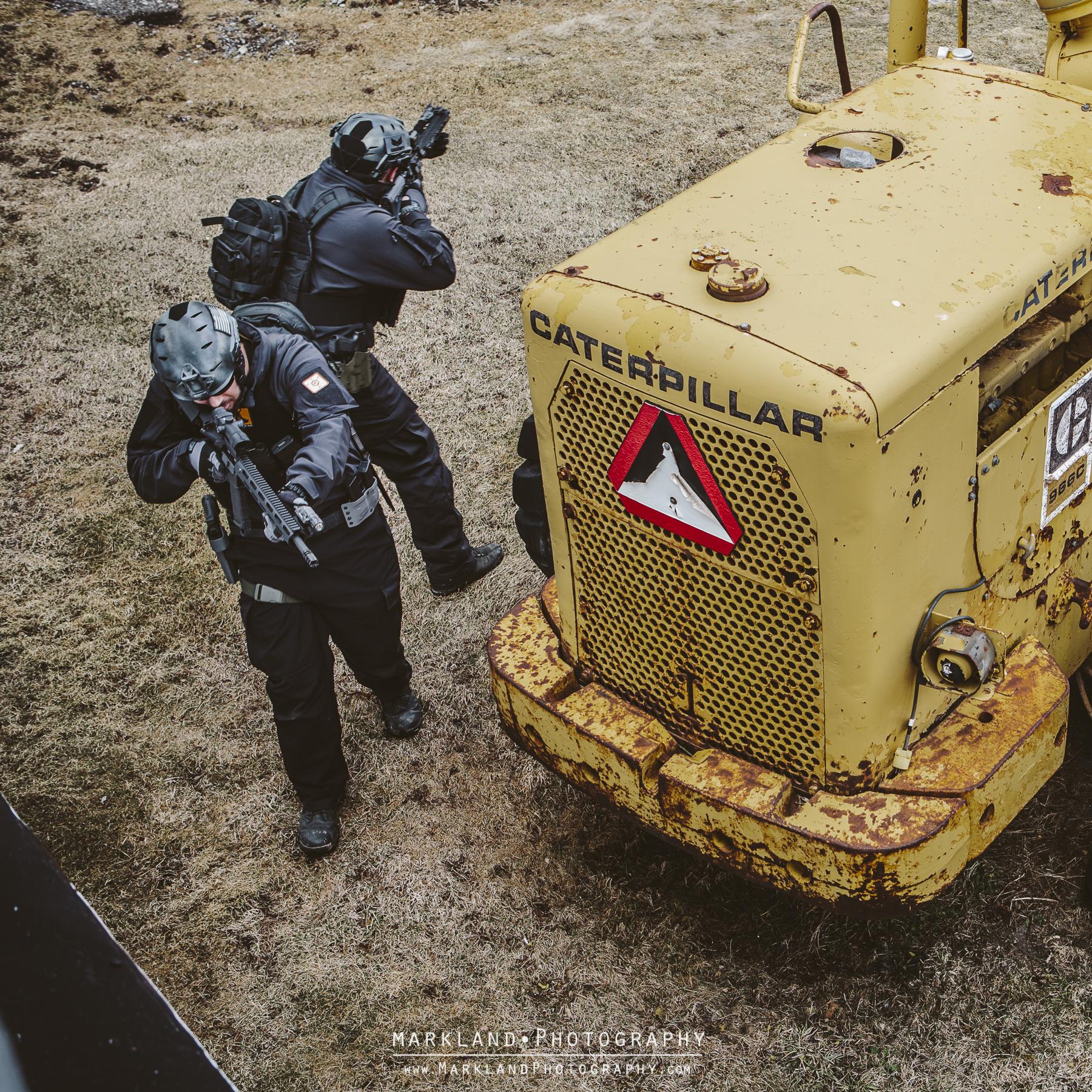 operator room clearing black ar15
