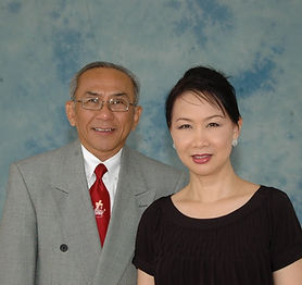MS. Pham Hong Lac & Ba.JPG