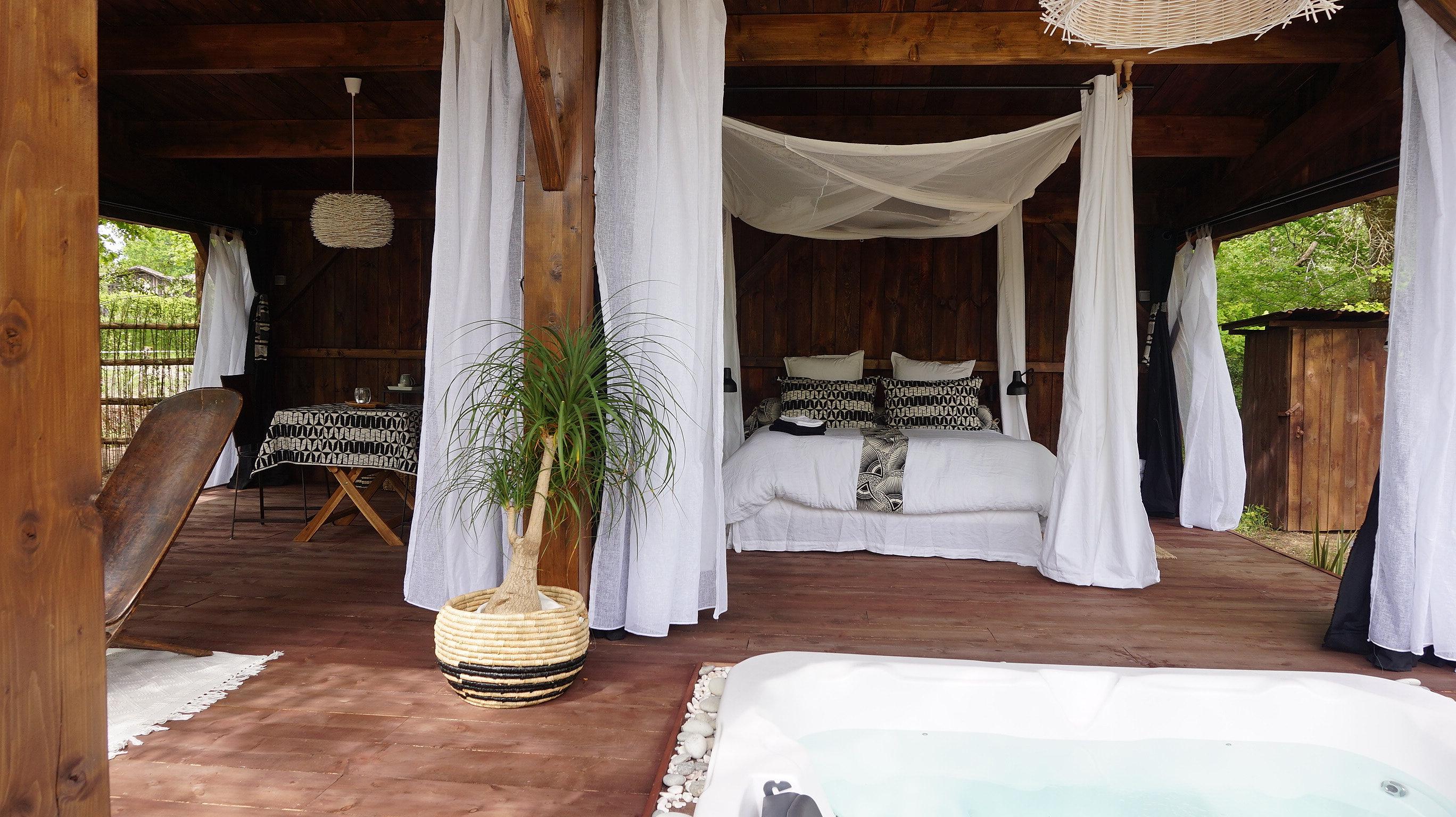 Chambre avec jacuzzi privatif - Hotel avec jacuzzi dans la chambre pyrenees orientales ...