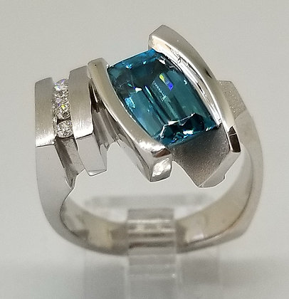 14k White Gold Ring with Blue Zircon & Diamonds