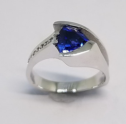 Blue Sapphire & Diamond Ring Front View