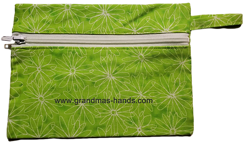 Daisies on Green Diabetic Accessory Carrying Case
