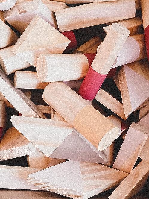 Caja con bloques de madera