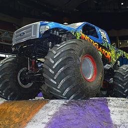 monster-truck-2252909_1920_edited.jpg