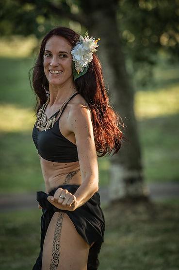 Naja insegnante di danza polinesiana in Slovenia