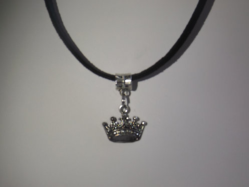 Tiny Silver Crown Necklace