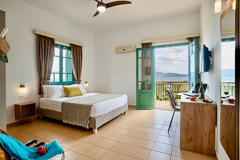 Accommodation with sea view in Kissamos Crete