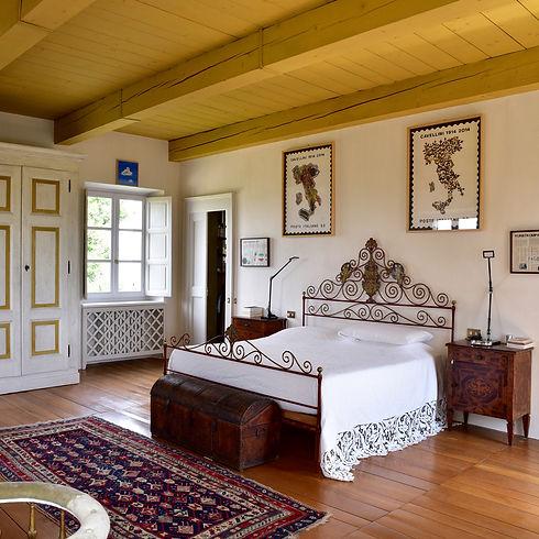 Castello-di-Perno-hospitality.jpg