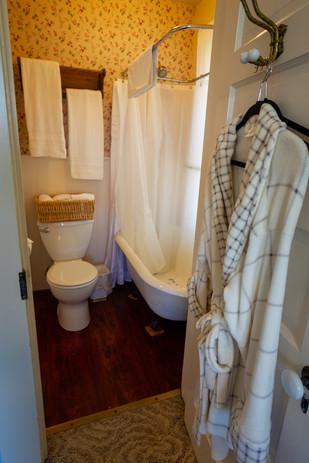 #22 Fern Canyon Bathroom