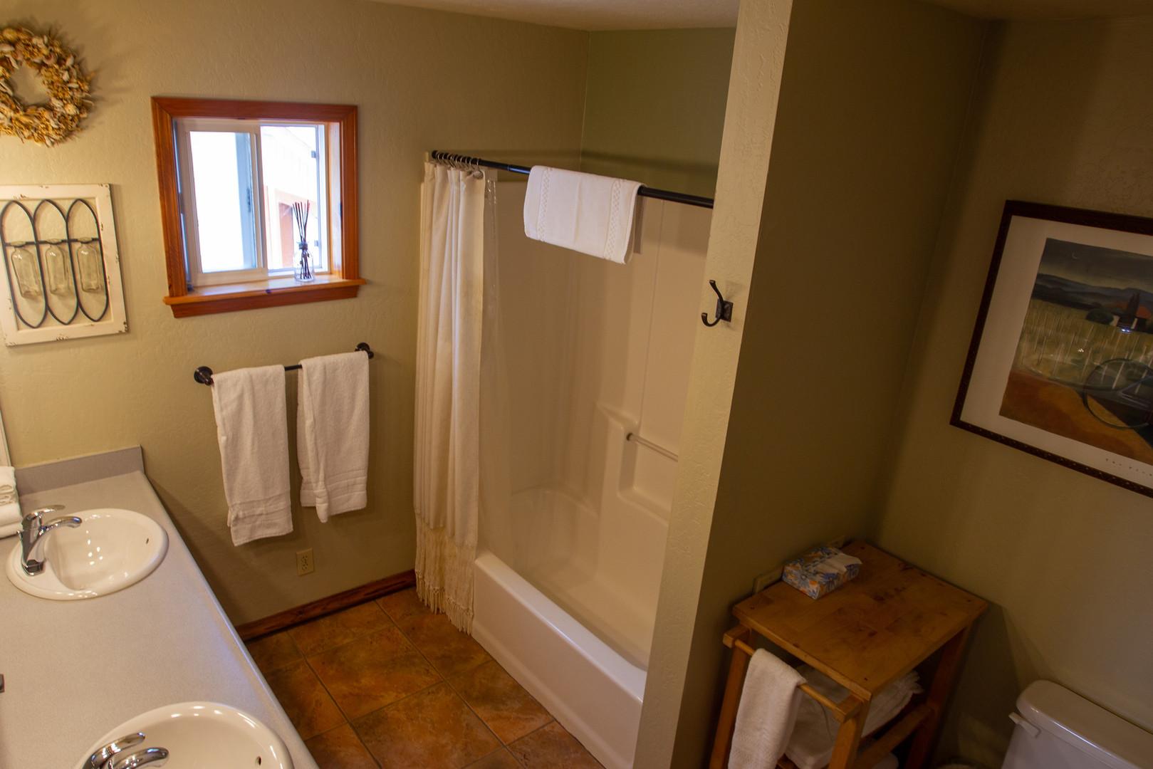 Requa House Bedroom #1Bathroom
