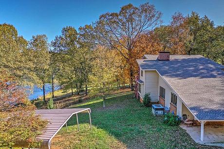 side view of lake karen home.jpg