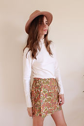 Alice turtle neck + India mini skirt