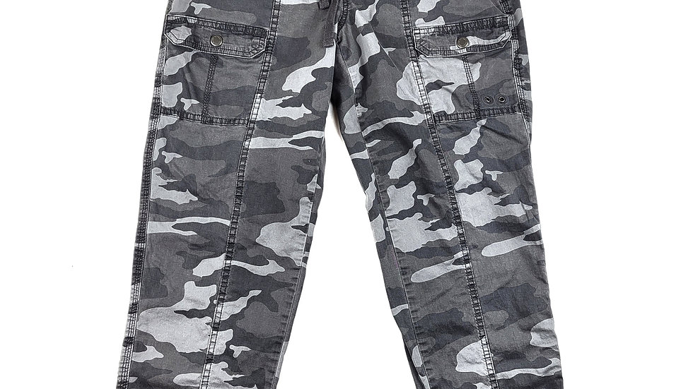 Sonoma grey camo pant size 4
