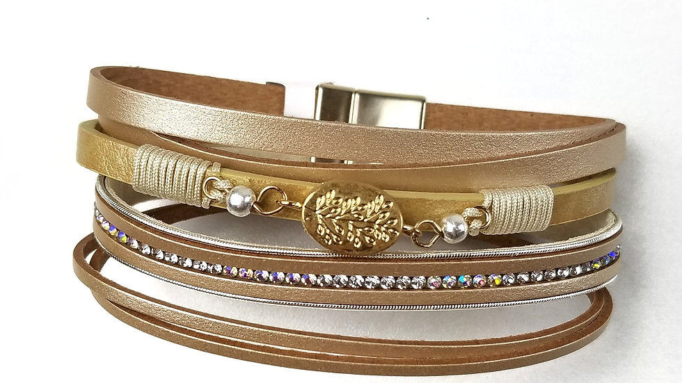 Golden coloured bracelet with magnetic clasp