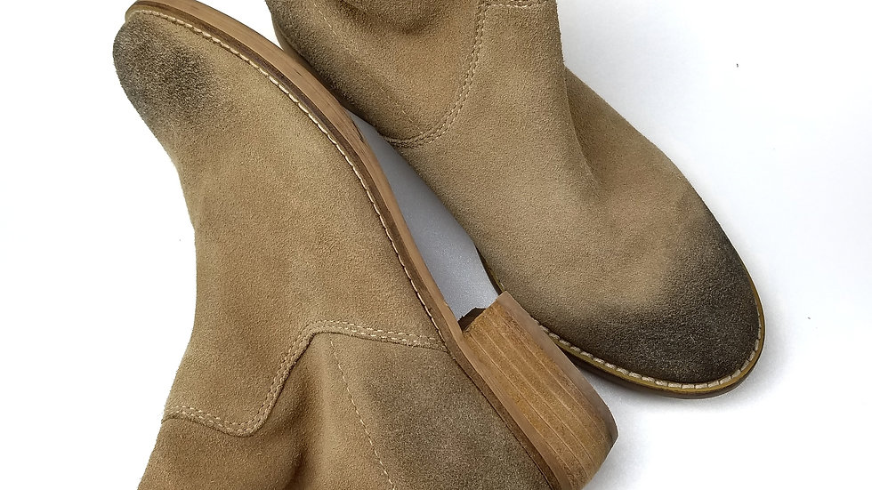 Shellys London suede distressed boots size 9