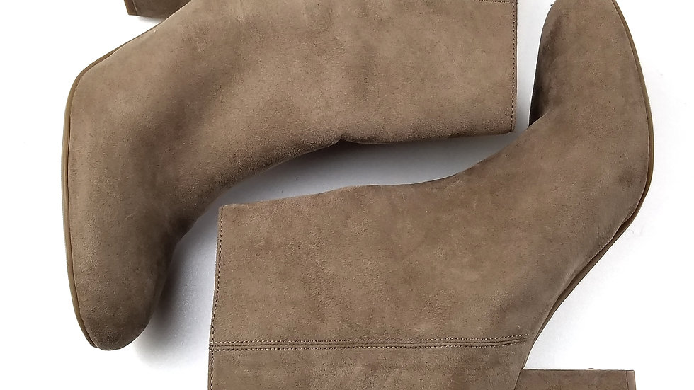 Worthington brown suede ankle boot size 10