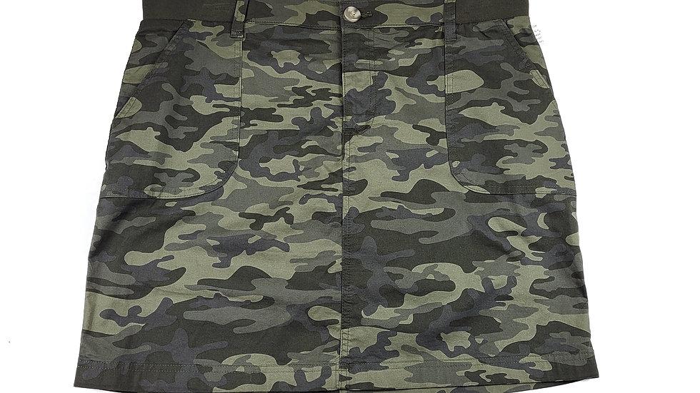 Lee Rider camo midrise skirt size 12