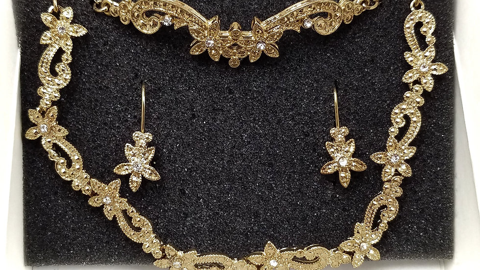 Avon gold necklace, bracelet, earrings set