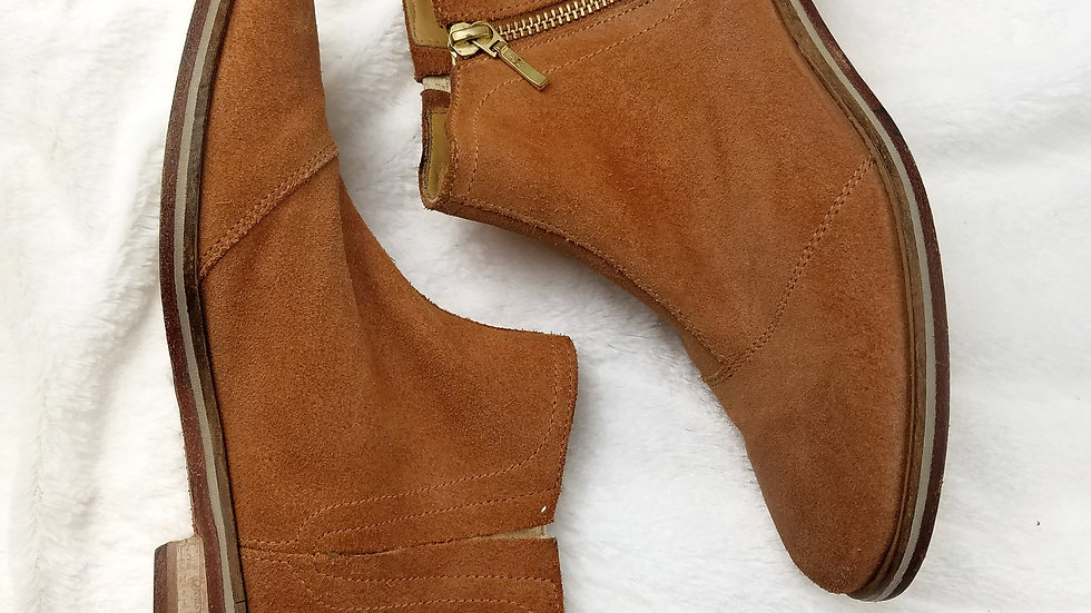 J shoes tan ankle boot size 6.5