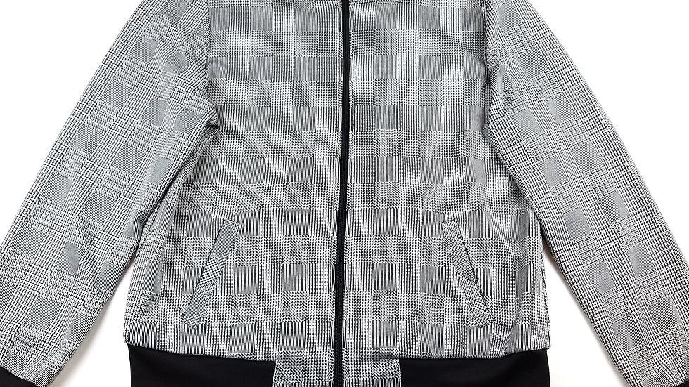 Alia black and white zip jacket size small