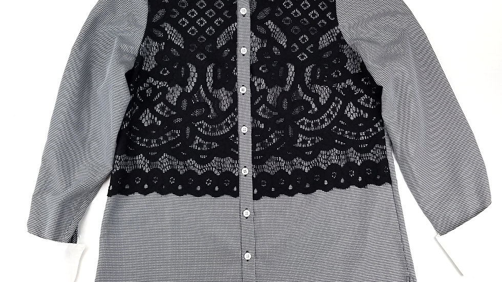 ECI NY Blouse checkered with lace front size 8