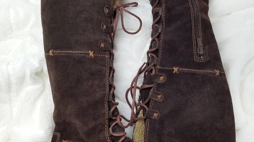 Timberlands brown suede lace up boots size 8