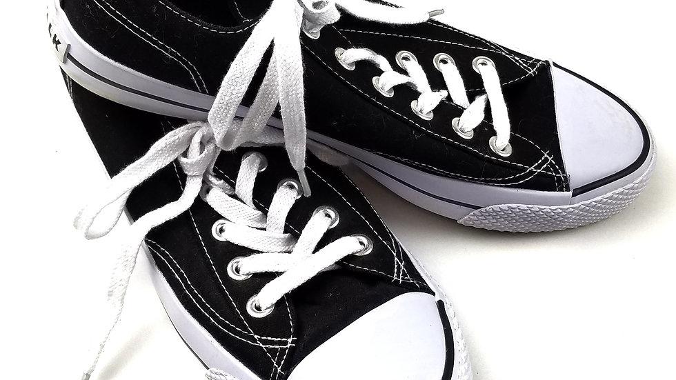 Airwalk sneakers size 8.5