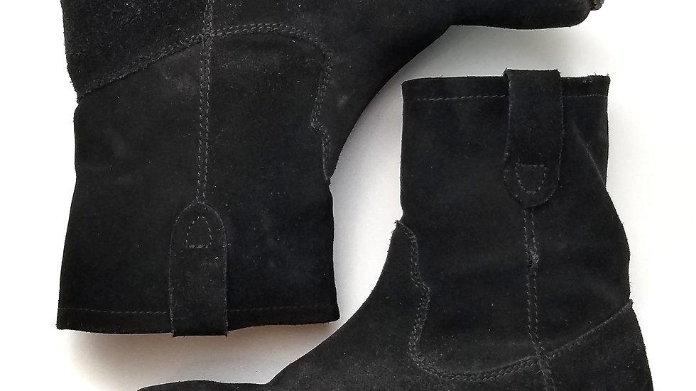 Zigi black suede Soho ankle boot size 8