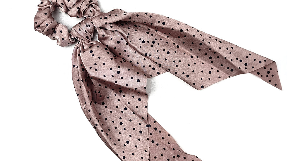 Scrunchie pink with polka dots