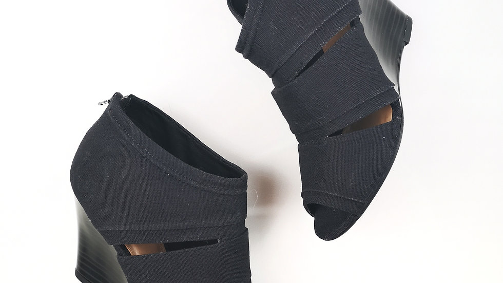 Call it spring black wedge sandal size 6