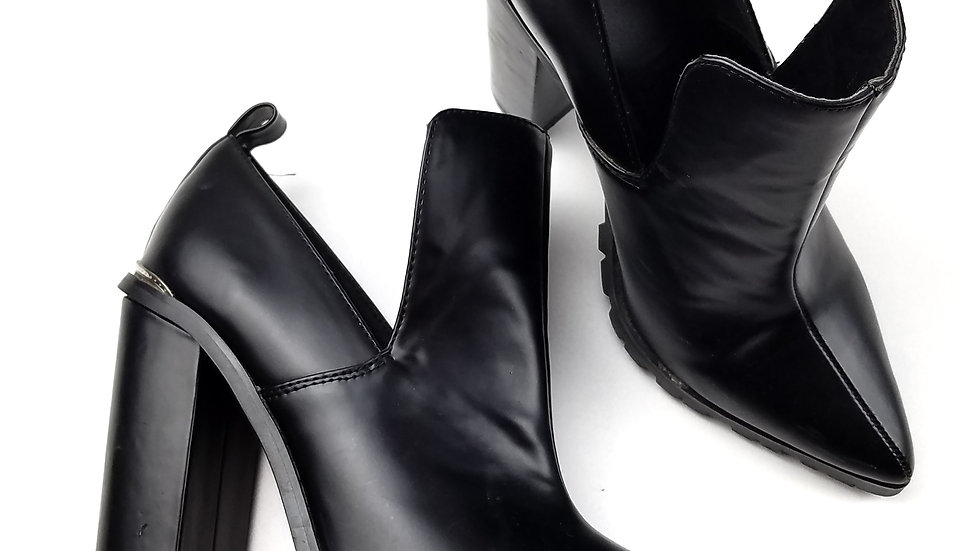 Asos black ankle boot heels size 6