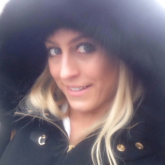 Facebook - Quick #selfie from the #cold weather❄️✨ (not so cold actually ⛄️) alw