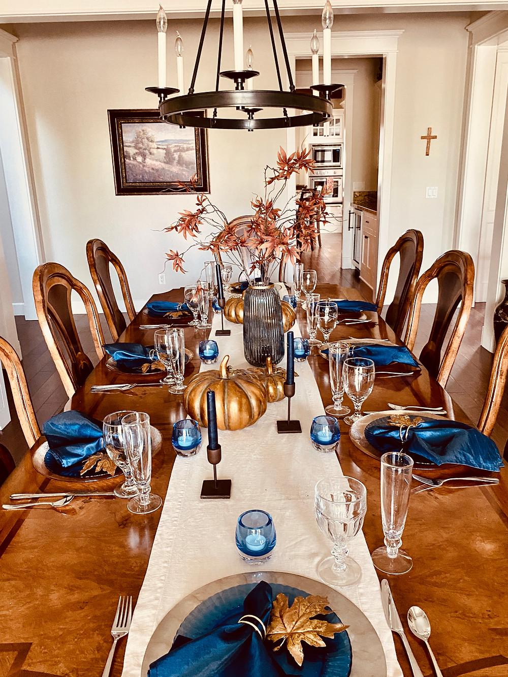 bold fall palette, fall decor table