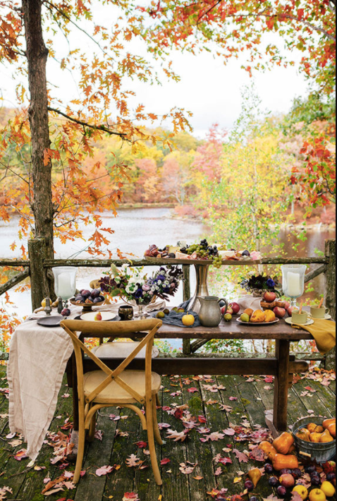 outdoor fall decor, fall table outdoors