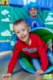 Игровая фотосъемка детей на празднике дне рождения.