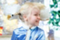 Летающие волосы у девочки в детском саду