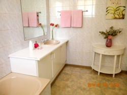 Flat bathroom2.