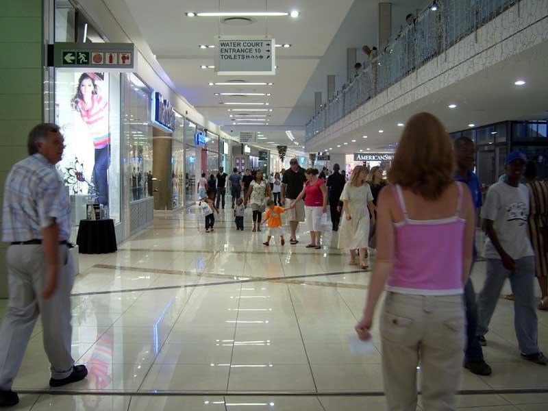 Logh logan mall
