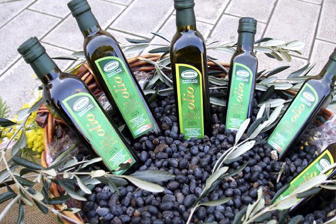 Olivenöl_in_Korb.jpg