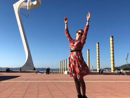 Look : une robe, des fleurs et l'Espagne